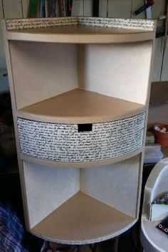 Diy Crafts Hacks, Diy Crafts For Gifts, Diy Home Crafts, Diy Cardboard Furniture, Cardboard Crafts, Diy Furniture, Carton Diy, Cardboard Organizer, Diy Rangement