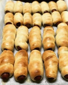 This Kolache Recipe has a Homemade Texas Twist This sausage kolache recipe, more accurately called klobasniky, is a staple for hearty, on the go breakfasts throughout Central Texas. Breakfast Items, Breakfast Recipes, Clean Eating Snacks, Queso, Central Texas, Easy Meals, Cooking Recipes, Favorite Recipes, Recipes