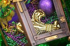 Happy  Mardi Gras! Bevolo Rault Pool House Lanterns | #lanterns