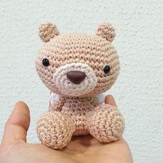 Mini urso! - Little Bear.  #amigurumi #crochê #feitoamao #ganchillo #hechoamano #handmade #crochet #nursery #maternity #baby #quartodebebê #decoração #babyroom #decor #babygirl #maternidade #decorbaby #decorandofestas #babydecor #babyboy #bear #urso #decorababy #miniurso #partydecor #babyshower #newborn #chadebebe by anacraftbox
