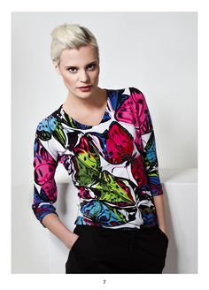 Knitted top with a colorful pattern. KRISS Sweden