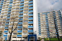 Brunswick Close estate, Islington - London's first council towers (1948-1959) - trochu iné farby jak tie čo teraz tryznia zateplené panely