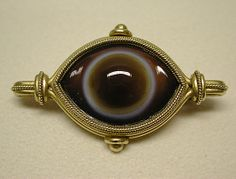 Agate and gold brooch, 1860