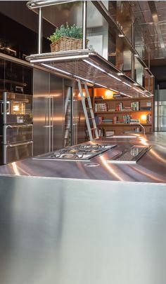 Este es nuestro Espacio cocina en vivo donde podrás organizar comidas o cenas privadas de la mano de cocineros de prestigio.