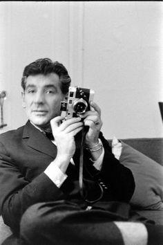 Leonard Bernstein (1918-1890)Pianista, compositor y director de orquesta nacido en Massachusetts. Compuso la música de notables películas.