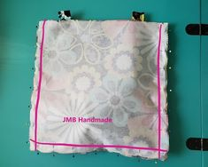 How to Make a Simple Tote Bag - JMB Handmade Diy Bags Patterns, Handbag Patterns, Easy Tote Bag Pattern Free, Free Pattern, Diy Fabric Purses, Fabric Wallet, Diy Tote Bag, Tote Bags, Patchwork Bags