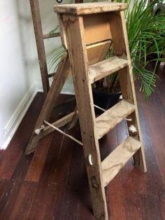 Rustic-Vintage-Medium-Wooden-Step-Ladder