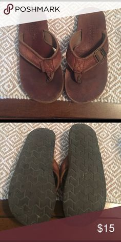 Men's American Eagle Sandals Brown leather & canvas. Fun beer bootle opener! Size 7/8 American Eagle Outfitters Shoes Sandals & Flip-Flops