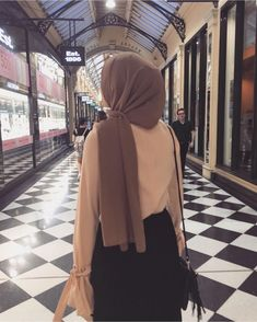 Niqab Fashion, Modest Fashion Hijab, Modern Hijab Fashion, Muslim Women Fashion, Hijab Style, Casual Hijab Outfit, Hijab Jeans, Ootd Hijab, Hijab Chic
