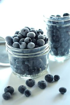 How to Freeze Berries - www.countrycleaver.com