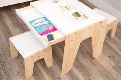 Mesa Infantil Kids - Cru Fosco e Branco Giz Diy Kids Furniture, Inexpensive Furniture, Space Saving Furniture, Plywood Furniture, Cheap Furniture, Kids Table Chair Set, Room Design Bedroom, Study Room Decor, Kid Desk