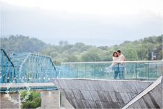 Engagement Photos Chattanooga, TN; outfit and posing ideas for engagement photos