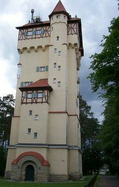 Grafenwoehr Water Tower/House Germany, saw this everyday when I was stationed there Beautiful Castles, Beautiful Places, Cool Places To Visit, Great Places, Medieval Tower, Small Castles, Unusual Buildings, Visit Germany, Tower House