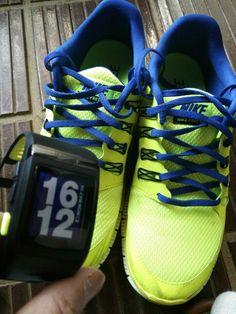 ランシューズとランニングウオッチ@Nike  ナイキフリー5 ・ナイキスポーツウオッチGPS  2013.05