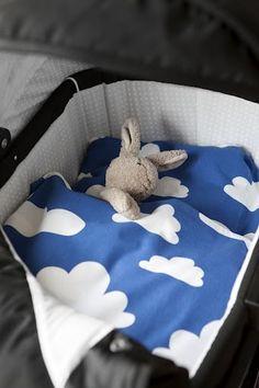 Dekbed - blauwe wolken   Wieg   Mini&Co.