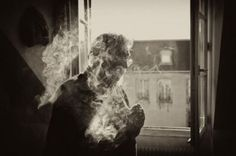 Une enquête menée dans la documentation issue des procès de l'industrie du tabac aux États-Unis montre que Philip Morris a payé des scientifiques français pour tenter de minimiser les dangers du tabagisme passif.