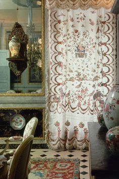 From the beautiful new book, a look at the style of the legendary decorator