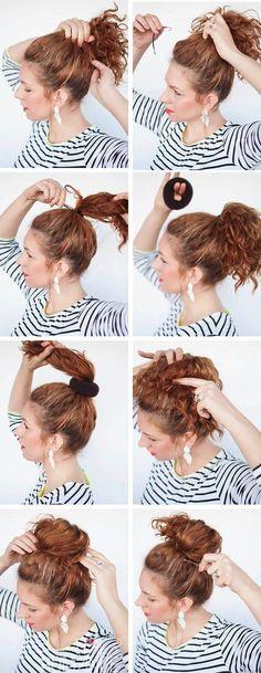 Haz una cola de caballo alta y sujeta con ligas delgadas. Coloca una dona, toma el extremo de tu cabello y rodéala. Para finalizar, sujeta tu cabello restante con pasadores y tendrás un look muy boho chic. | Ultrafemme