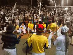 Escola de Capoeira Raiz de Angola se apresentando no 4º Festival Curau dia 21/08 sexta feira, Largo dos Pescadores, Piracicaba SP. Presença especial dos Mestres Lua de Bobó e Mestre Moa do Katendê. coordenação Mestre Zequinha.