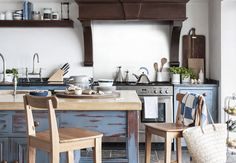 if you desire to get more these outstanding ideas related to New Kitchen Ideas Black Wood Nightstand Kitchen Window Curtains Kitchen simply click decoration. Beautiful Kitchen Designs, New Kitchen Designs, Beautiful Kitchens, Kitchen Ideas, Kitchen Layouts, Kitchen Photos, Kitchen Inspiration, Küchen Design, Interior Design