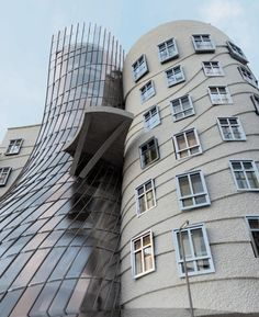 Dancing House, Prague, Czech.    Frank Gehry