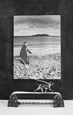 Gilbert Garcin - Gilbert Garcin, Simulacre - Sélection de photographies; 1993, 2010 | Galerie Les Filles du Calvaire