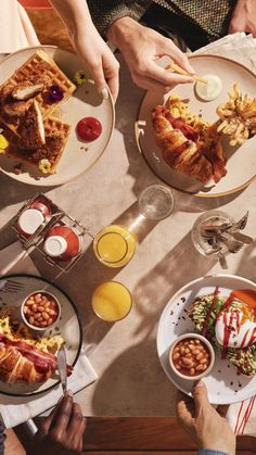 Sharing the taste of Heinz you know and love over brunch with the people you love. #GiveItSomeHeinz Heinz Recipe, Recipe Hub, Cute Food, Yummy Food, Food Hub, Healthy Cereal, Cooking Recipes, Healthy Recipes, Frozen Meals