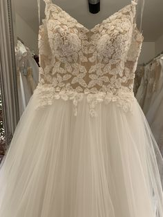 🌟🌟🌟 ACUM IN STOC 🌟🌟🌟 💕 MIRADRI SPOSA te invita la proba sa te răsfeți cu cele mai frumoase rochii la preturi adorabile! ☎️ 0733.719.393  👨💻   🏁 Orzari 5, BUCURESTI #mireasa #nunta #nunta2019 #wedingdressesstore #rochiidemireasa #weddingown