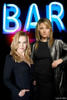Renee O'Connor  Lucy Lawless, best friends.