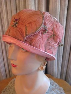 ENCHANTING-20S-PINK-SATIN-CLOCHE-W-LARGE-FEATHERED-FLOWERS-AROUND-THE-BRIM