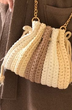 Crochet Backpack, Bag Crochet, Crochet Shoes, Crochet Handbags, Crochet Purses, Cute Crochet, Crochet Crafts, Crochet Clothes, Crochet Baby