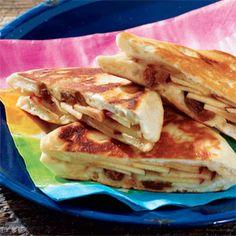 I love the combo of apples and rasins - perfect for Autumn! Pie Iron Apple Raisin Danish