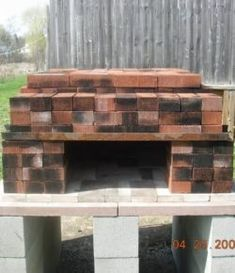 Build a dry stack wood-fired pizza oven comfortably in one day! – Your Projects Build A Pizza Oven, Diy Pizza Oven, Pizza Oven Outdoor, Pizza Ovens, Outdoor Kitchen Patio, Outdoor Kitchen Design, Diy Loft Conversion, Fire Pit Pizza, Main Entrance Door Design