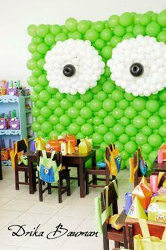 Idea- balloon wall