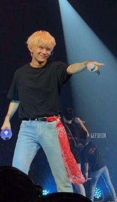 Jimin, Bts Korea, V Taehyung, Bts Boys, Boy Bands, Beautiful Pictures, Style, Twitter, Wallpaper Lockscreen