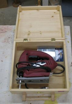 Saber saw wood case - The Dale Maley Family Web Site