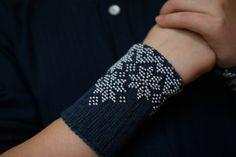 Hand knitted Baltic fingerless wrist warmers with beads made in Lithuania using Italian wool. It is traditional Lithuanian fall/winter accessory. Hand Knitting, Knitting Patterns, Wrist Warmers, Knitted Bags, Winter Accessories, How To Make Beads, Crafts To Do, Fingerless Gloves, Knit Crochet
