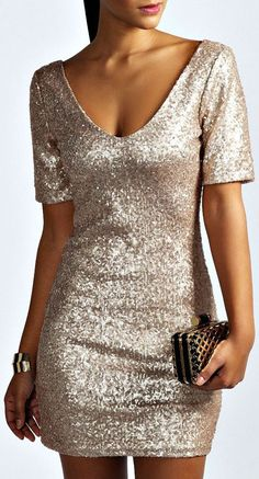 PERFECT dress for the holidays!
