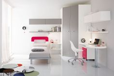 the room sober and classic ideal for every guy. http://www.spar.it/sp/it/arredamento/proposta-web-05.3sp?cts=camerette_web