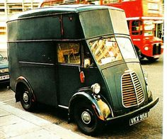 Morris J gown van Green Motorcycle, Thing 1, S Car, Commercial Vehicle, Buses, Old And New, Cod, Wheels, Delivery