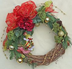 Christmas Frog Wreath Red Hydrangea wreath by DesignsOnHoliday Brown Front Doors, Painted Front Doors, Front Door Decor, Red Hydrangea, Hydrangea Wreath, Diy Crown Molding, Holiday Wreaths, Holiday Decor, Grapevine Wreath