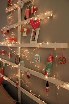syko's wooden wall tree ~ so clever for the classroom!
