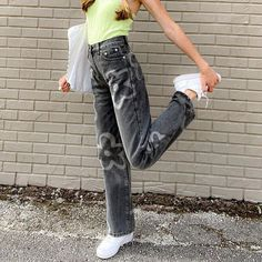 Jeans Boyfriend, Mom Jeans, Vintage Pants, Vintage Outfits, Pants For Women, Clothes For Women, Trouser Jeans, Corduroy Pants, Grey Pants