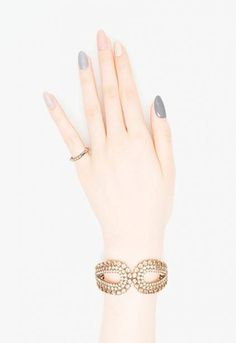 Maybe you have discovered your nails lack of some fashionable nail art? Yes, recently, many girls personalize their nails with lovely … Korean Nail Art, Korean Nails, Pink Manicure, Gel Nails, Pink Nails, Do It Yourself Nails, Grey Nail Designs, Super Nails, Nagel Gel