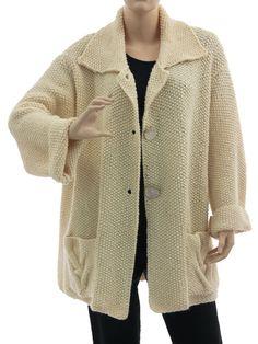 Oversized hand knitted cabled cardi Elisa in ecru - off white L-XL - Artikeldetailansicht - CLASSYDRESS Lagenlook Art to Wear Women's Clothing