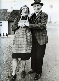 +~+~ Vintage Photograph ~+~+   Happy couple with a shared love of plaid.