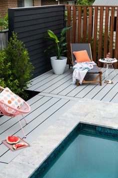 Create a statement piece with James Hardie decking to bring your outdoor area to life! Decks Around Pools, Pool Decks, Backyard Plan, Backyard Patio Designs, Outdoor Walls, Outdoor Pool, Decking Area, James Hardie, Timber Deck