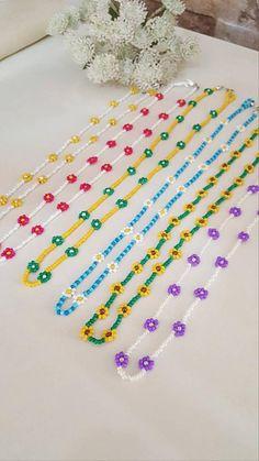 Daisy Necklace, Beaded Choker Necklace, Beaded Bracelets, Daisy Bracelet, Embroidery Bracelets, Seed Bead Jewelry, Bead Jewellery, Cute Jewelry, Seed Beads