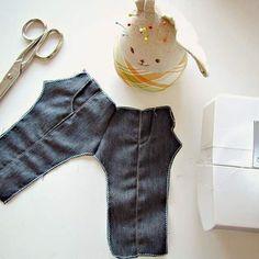 Costurando ❤ #dollclothes #handmade #madewithlove