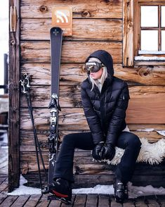 The 10 best Ski Goggles on the market! Moda Ski, Sweaty Betty Ski, Apres Ski Outfits, Apres Ski Fashion, Sporty Fashion, Sporty Chic, Sporty Outfits, Apres Ski Party, Winter Girl